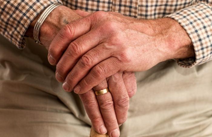 Arthrose du pouce : définition, causes et traitements